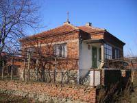 Property with big garden for sale